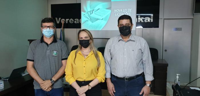 Servidores participam de curso de nova lei de licitação oferecido pela Câmara Municipal de Vereadores de Paraíso das Águas